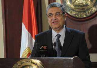 """"""" شاكر"""" : مليار جنيه لتطوير شبكات توزيع الكهرباء فى قطاع شمال سيناء التابع لشركة القناة"""